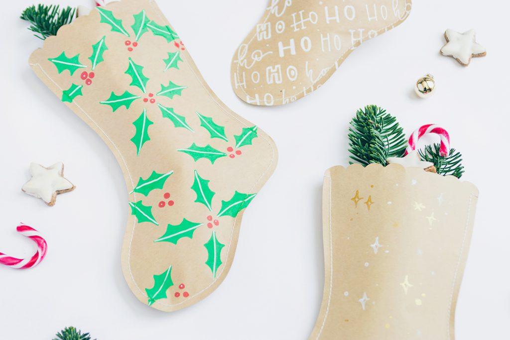 DIY: Weihnachtsstrümpfe aus Papier als Geschenkeverpackung