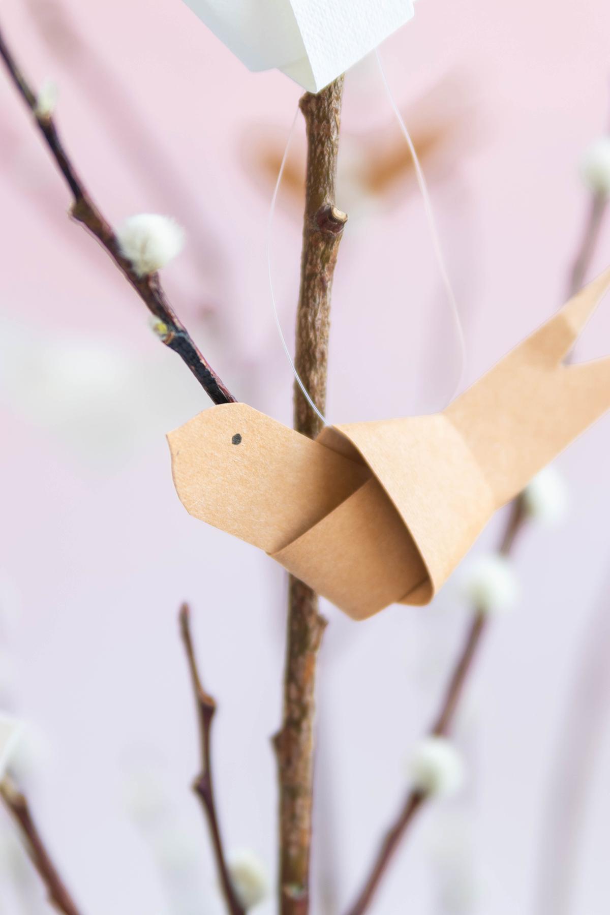 Papiervögel als Osterdeko basteln